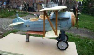 Avion biplan manège