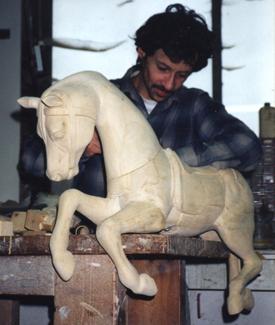 Yves Largiller sculpteur sur bois